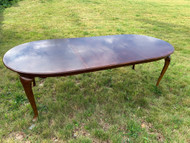 8ft Queen anne dining table