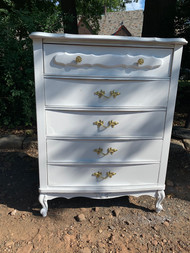 White french 4 drawer dresser