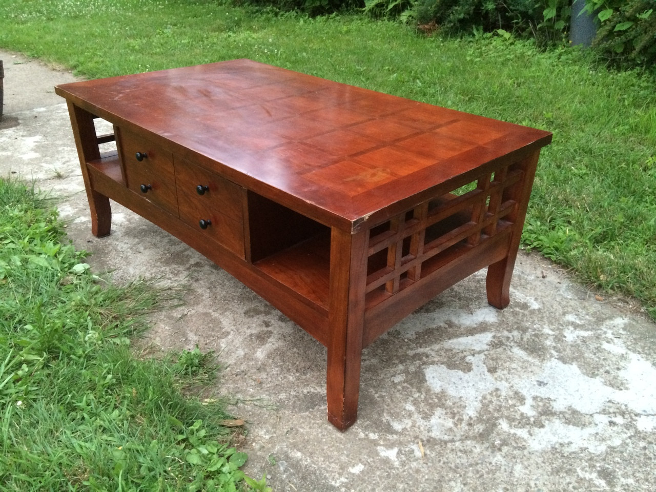 Cherry Coffee Table.Mission Style Cherry Coffee Table