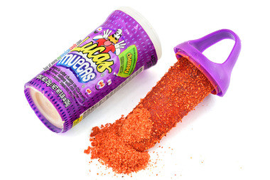 Chamoy flavored lollipop deep in sweet and sour powder. Its baby size makes it compact, allowing you to take it anywhere you go. Also, it comes with a twist on cap, so you can eat some now and save the rest for later.