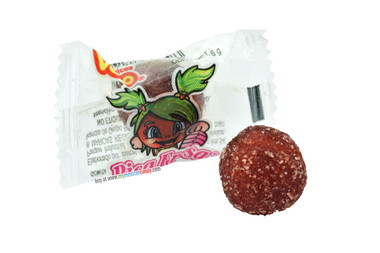Vero Pica Fresa is a delicious strawberry gum covered chilli. This treat comes in a ball-shape and has the perfect mixture of sweet and spicy!
