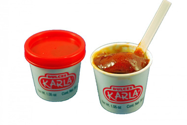 Miniature cups filled with sweetened tamarind and guava flavored pulp. You'll love the sweet, spicy and sour taste of Pulpa Vasito.