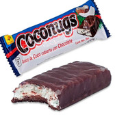 De la Rosa Coconug is a tasty bar with grated coconut candy mix with a clear caramel and a delicious and thin chocolate cover.