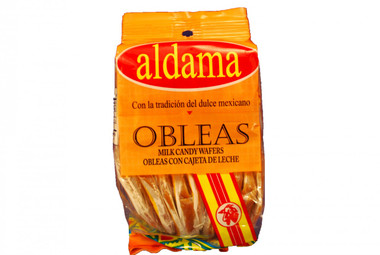 "Wafers with goat's milk candy. The classic flavor of the ""cajeta"" and the crispy flour wafer made it a unique Mexican candy"