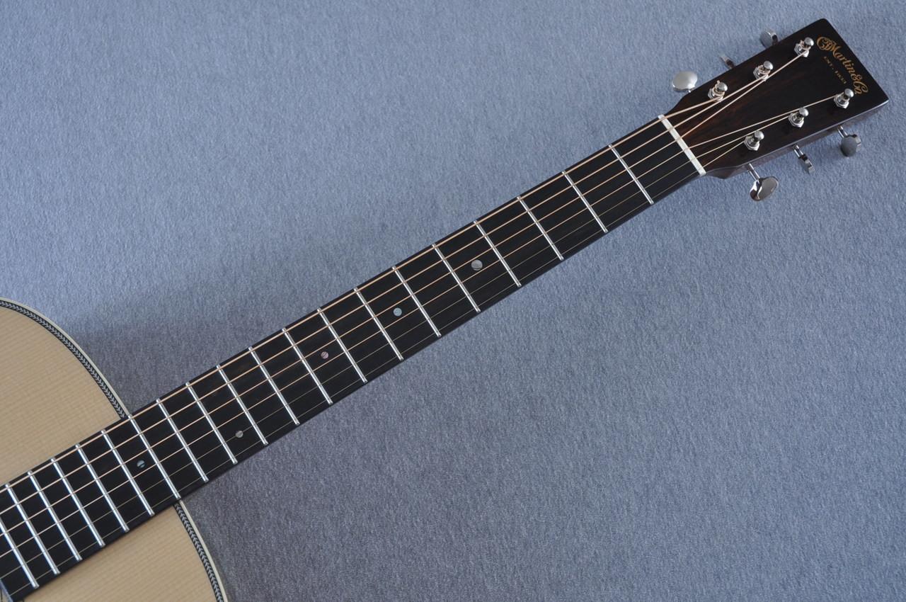 2017 Martin Custom Shop CS-CFMARTINOUTLAW-17 Acoustic Guitar #2064276 - Neck