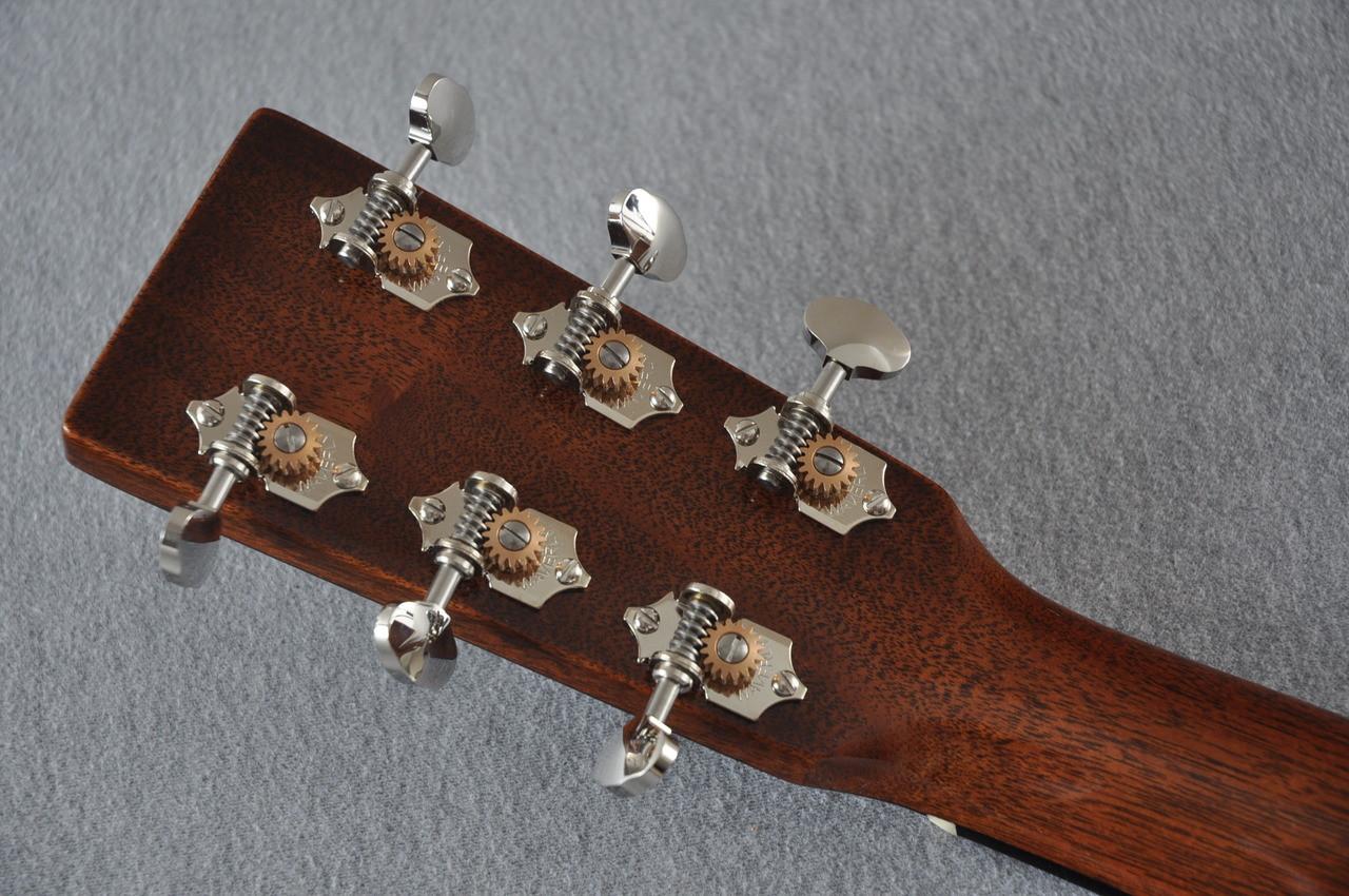 2017 Martin Custom Shop CS-CFMARTINOUTLAW-17 Acoustic Guitar #2064276 - Back Headstock