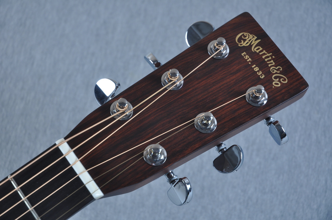 martin custom shop 00 28 guatemalan acoustic guitar 2054111. Black Bedroom Furniture Sets. Home Design Ideas