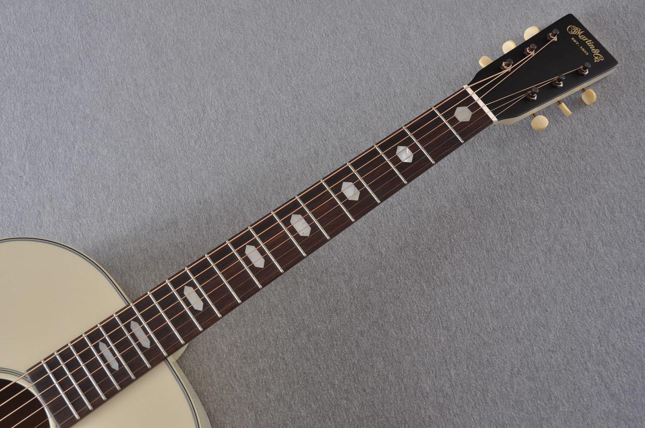 Martin Custom Shop D-18 Slope Adirondack Short Scale Antique White Guitar #2027455 - Neck