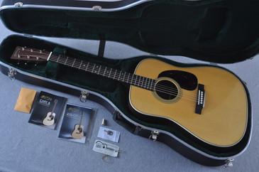 Martin D-28 (2017) Standard Dreadnought Acoustic Guitar #2126542 - Case