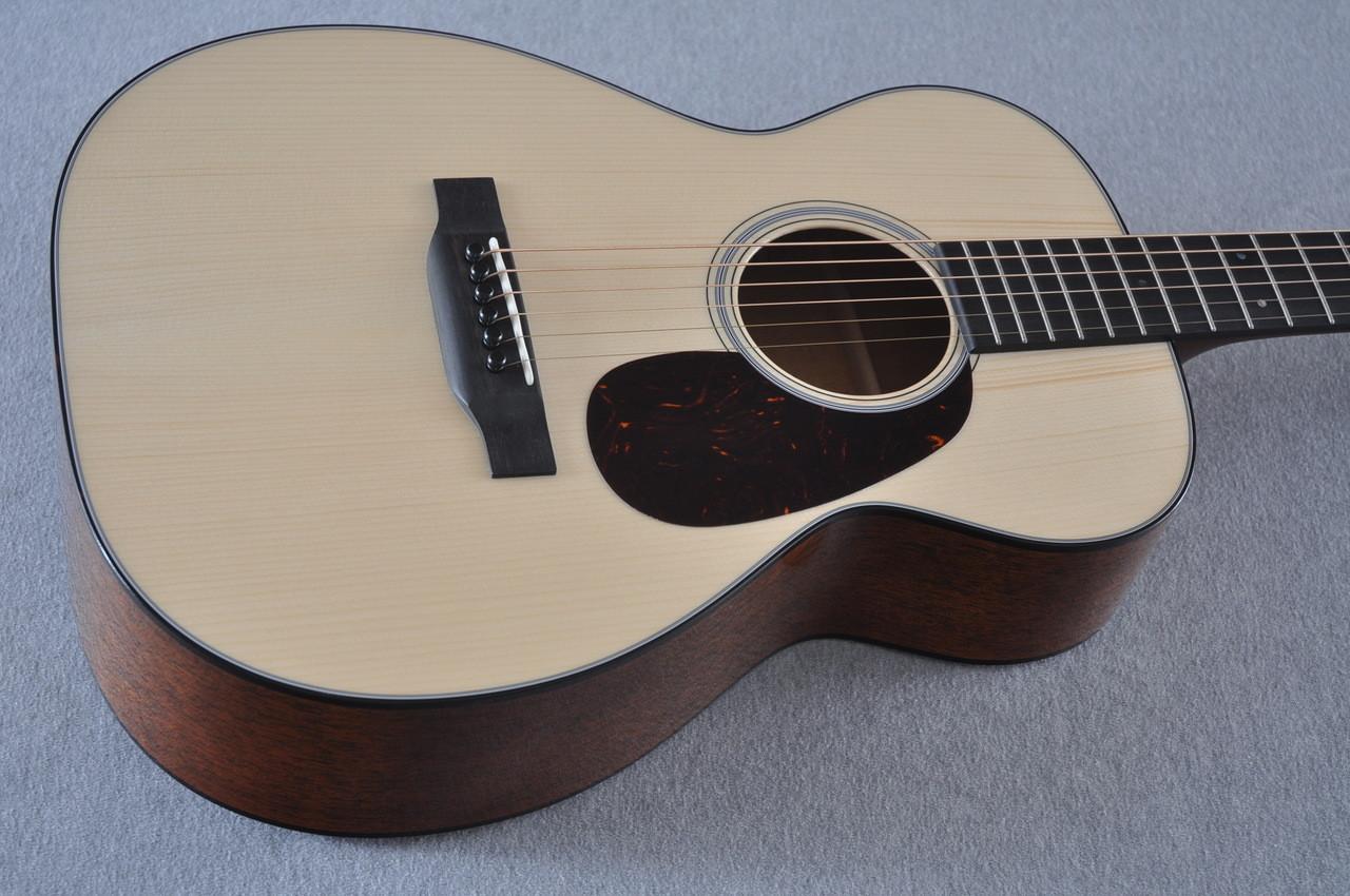 Martin Custom Shop 0-18 Adirondack Clear Acoustic Guitar #2146970 - Top