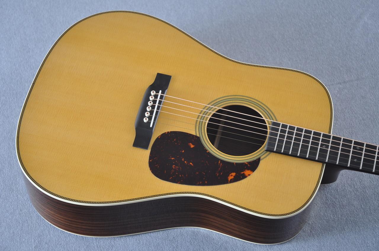 Martin HD-28 (2018) Standard Dreadnought Acoustic Guitar #2149399 - Top
