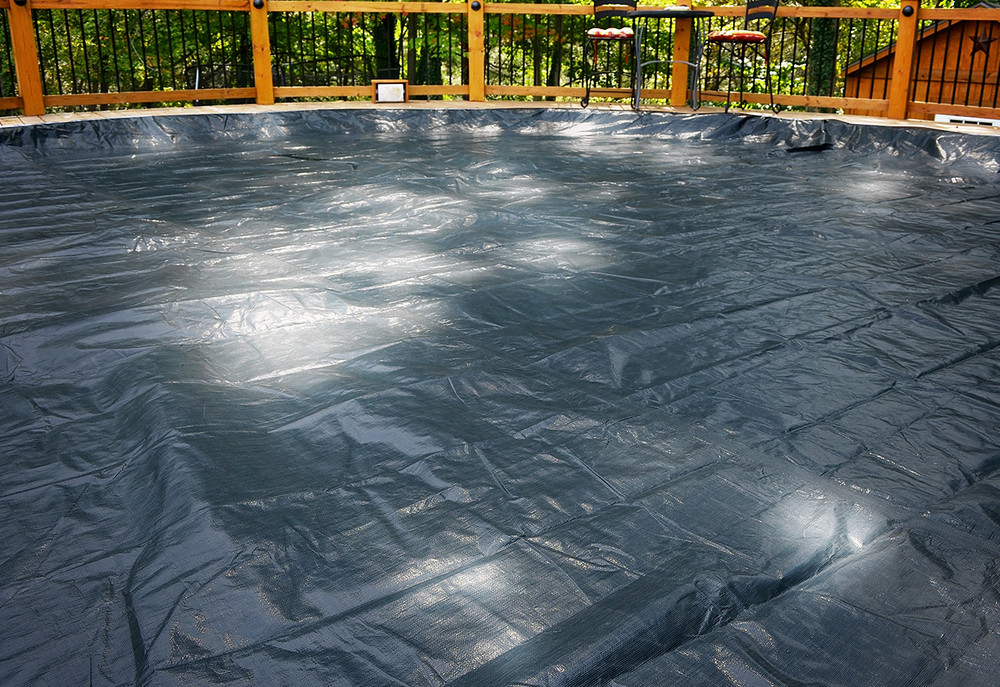 GLI 15/16 X 24/25 OVAL Above Ground Classic Pool Cover w/ 4' Overlap (45-1625OV-CLA-4-BX)