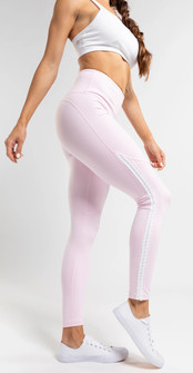 Amari Active Connect Legging In Pink