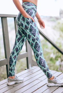 Wolven Jungle Helix Print Crossover Pocket Legging