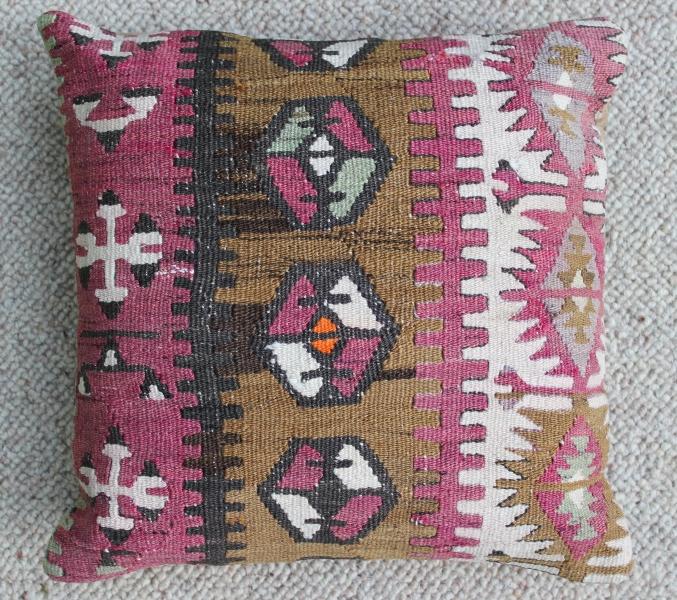 kilim-cushion-13-.jpg