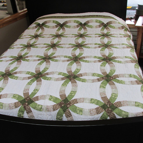 """Double Wedding Ring Quilt - 102"""" by 110"""""""