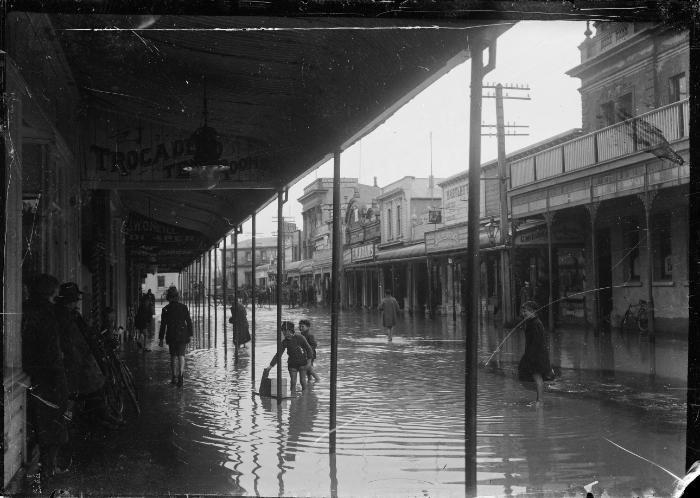 THE GREAT BLENHEIM FLOOD 1923