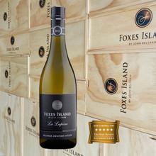 Foxes Island La Lapine Sauvignon Blanc presented in a wood box