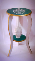 Spiritual table . Green and gold