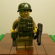 Sargent Saunders Minifigure Soldier