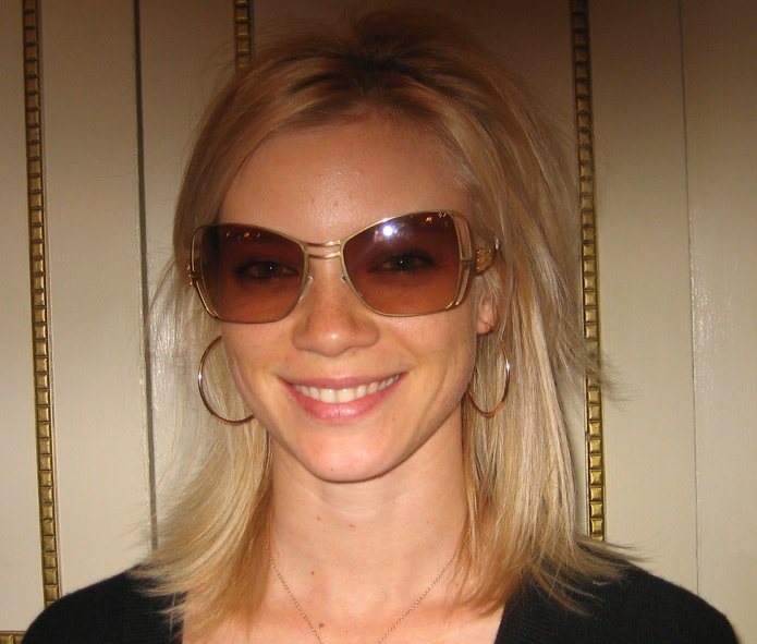 amy-smart-elite-eclusive-ic-berlin-sunglasses.jpg