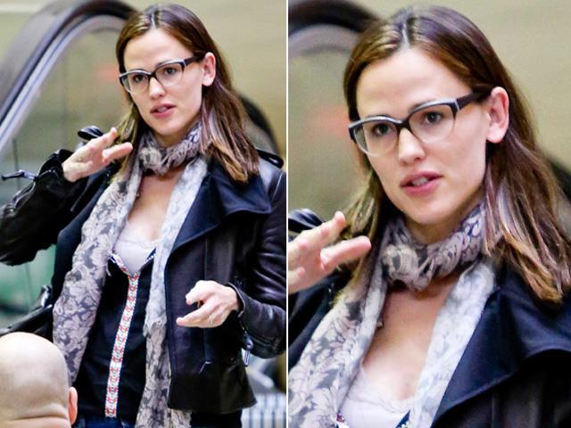 Jennifer Garner Wearing Face A Face Vinyl 1 Glasses