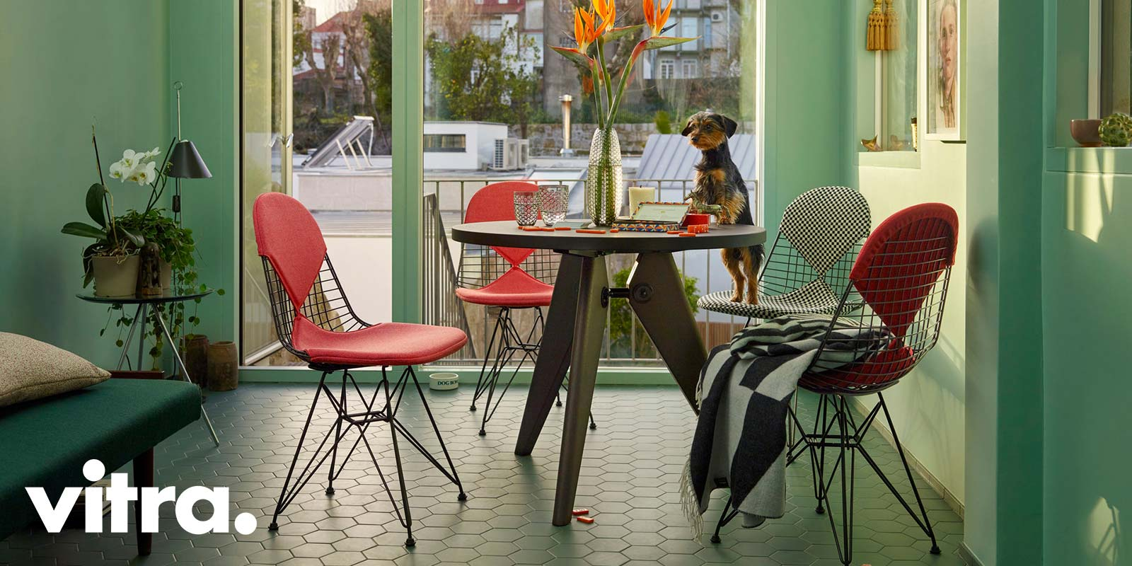 Vitra DKR-2 Chairs & Prouve Table