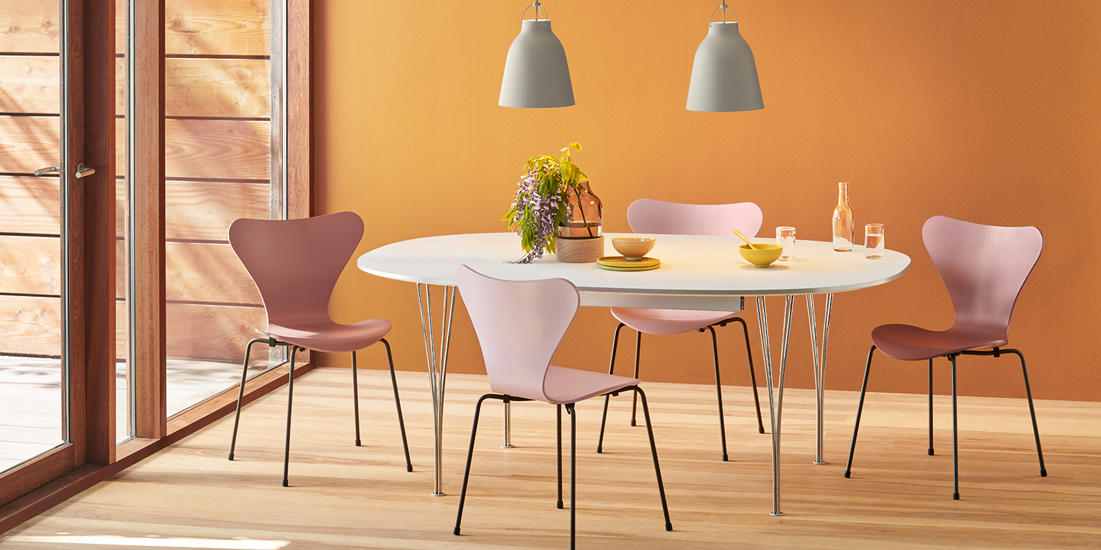 Papillon Interiors Black Friday 2020 - Fritz Hansen Series 7 Chairs & Analog Dining Table