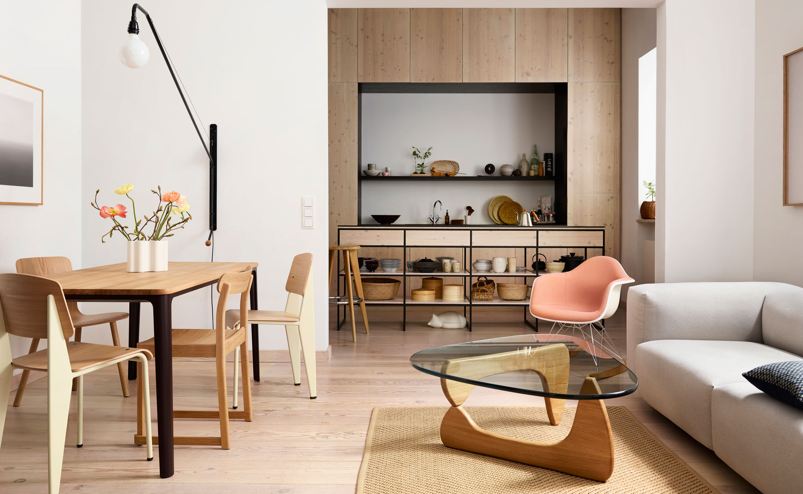 Vitra Noguchi Coffee Table Maple Lifestyle