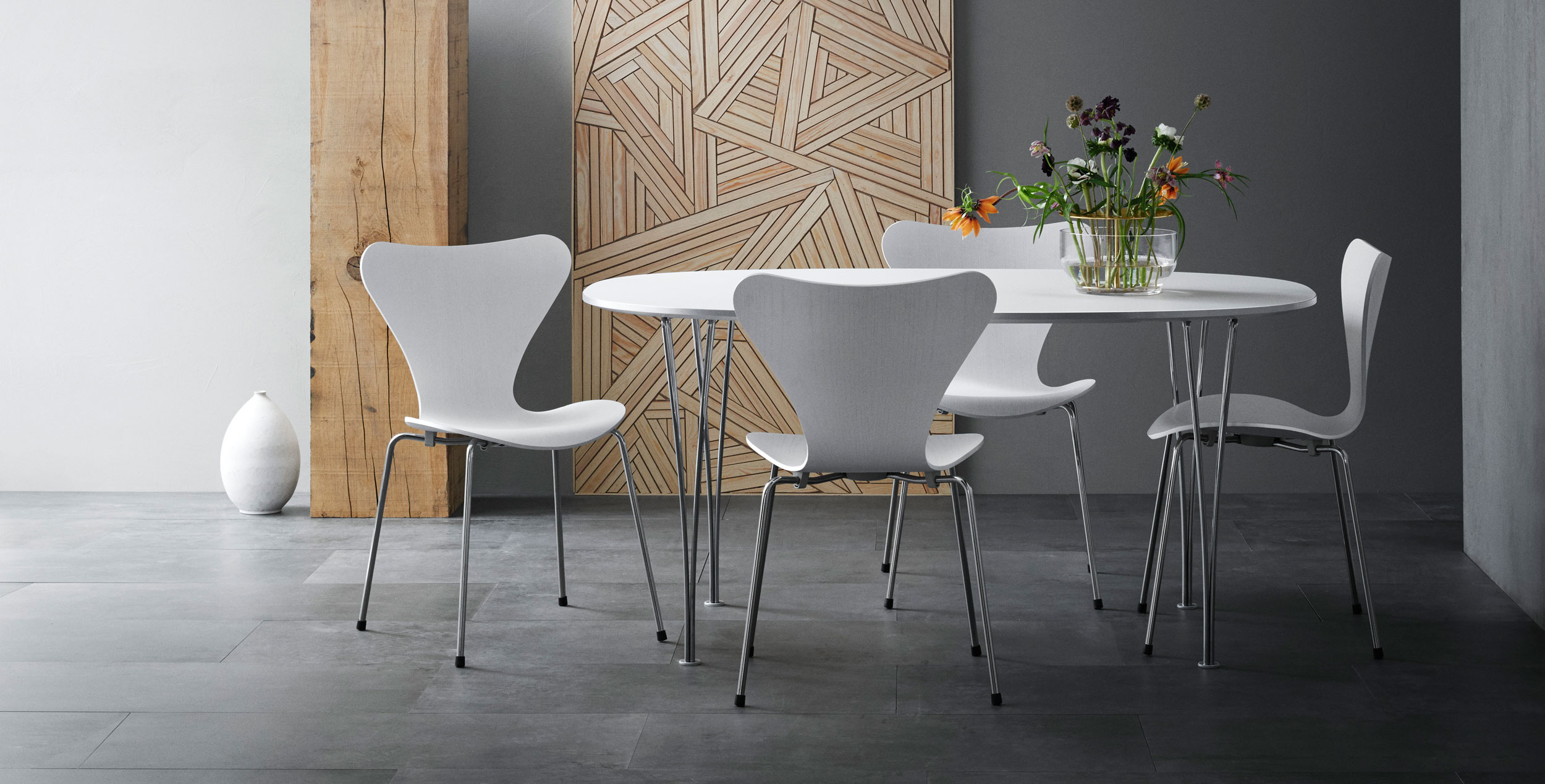 Fritz Hansen Series 7 Chairs & Super Elliptical Table
