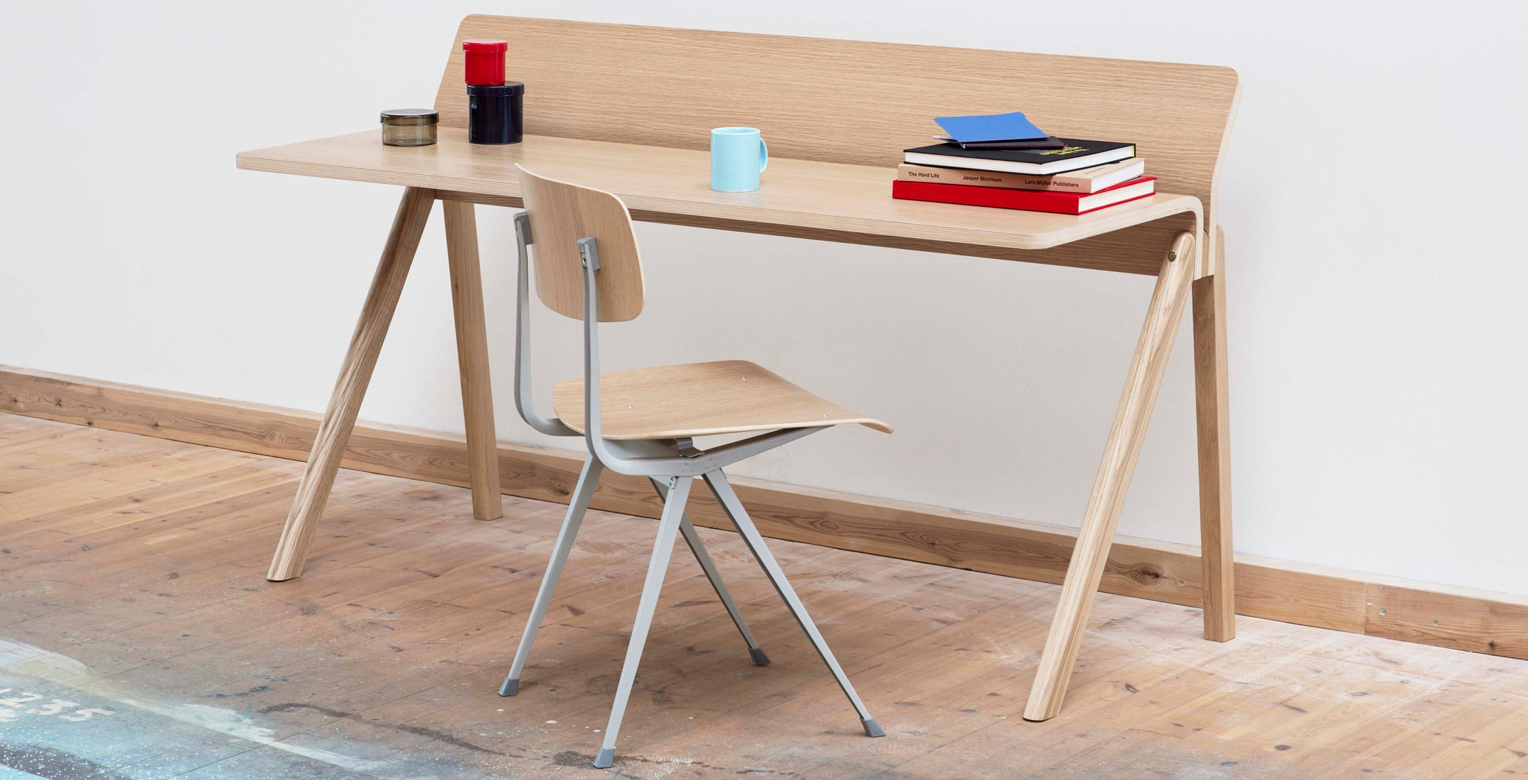 HAY CPH 190 Desk Clear Lacquered Oak with Result Chair