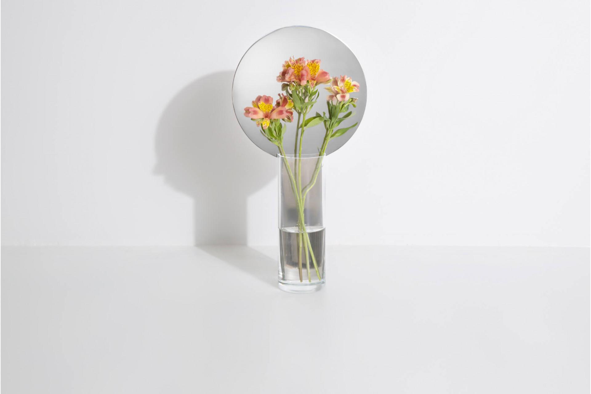 Narciso Vase