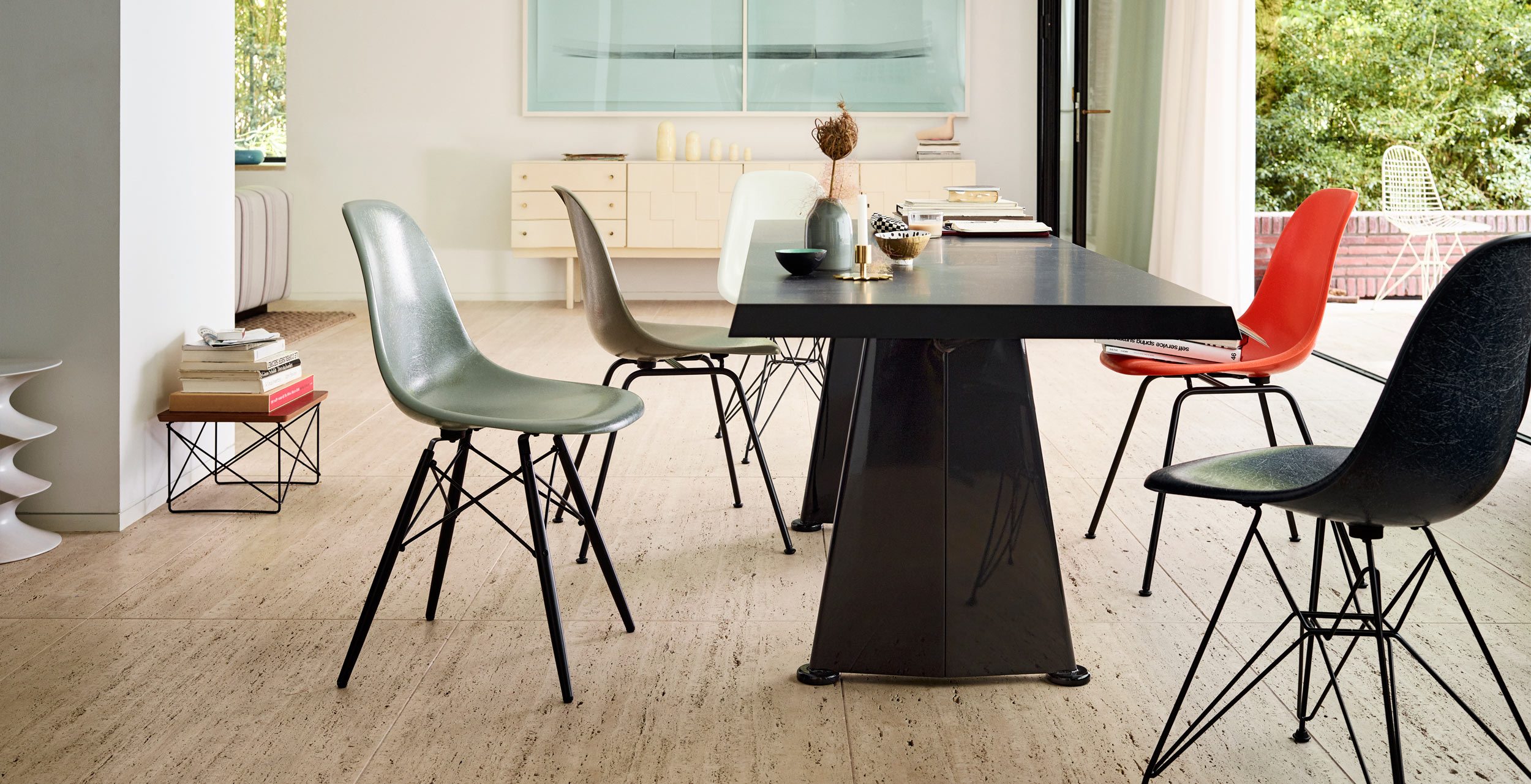 Vitra Eames Fiberglass Chairs with Trapeze Table