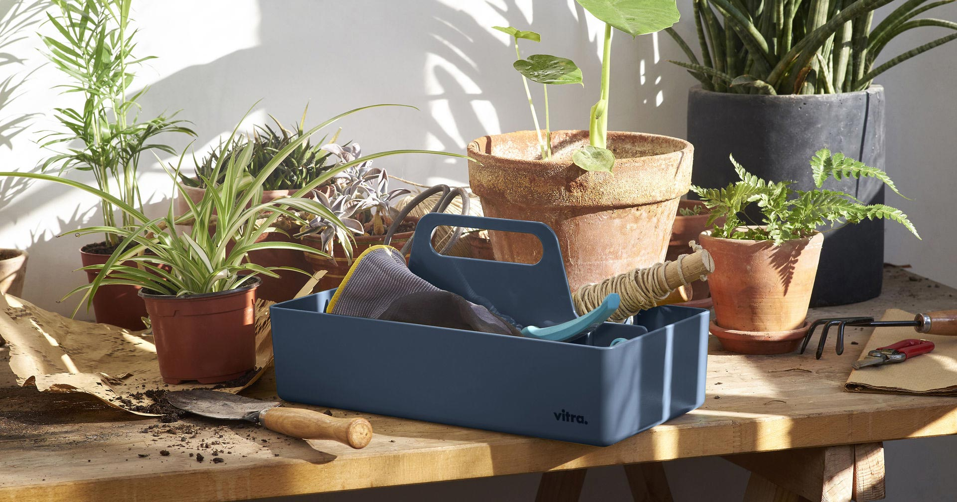 Vitra Toolbox By Arik Levy 83 Sea Blue Lifestyle Image