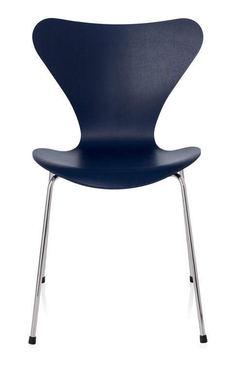 Fritz Hansen Series 7 Chair - AI Blue Coloured Ash / Chromed