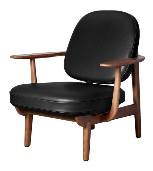 Fritz Hansen Fred Lounge Chair - Essential Leather Black - Walnut Stained Oak