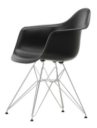 Vitra Eames Plastic Armchair DAR - 12 Deep Black - Chrome - Front Angle