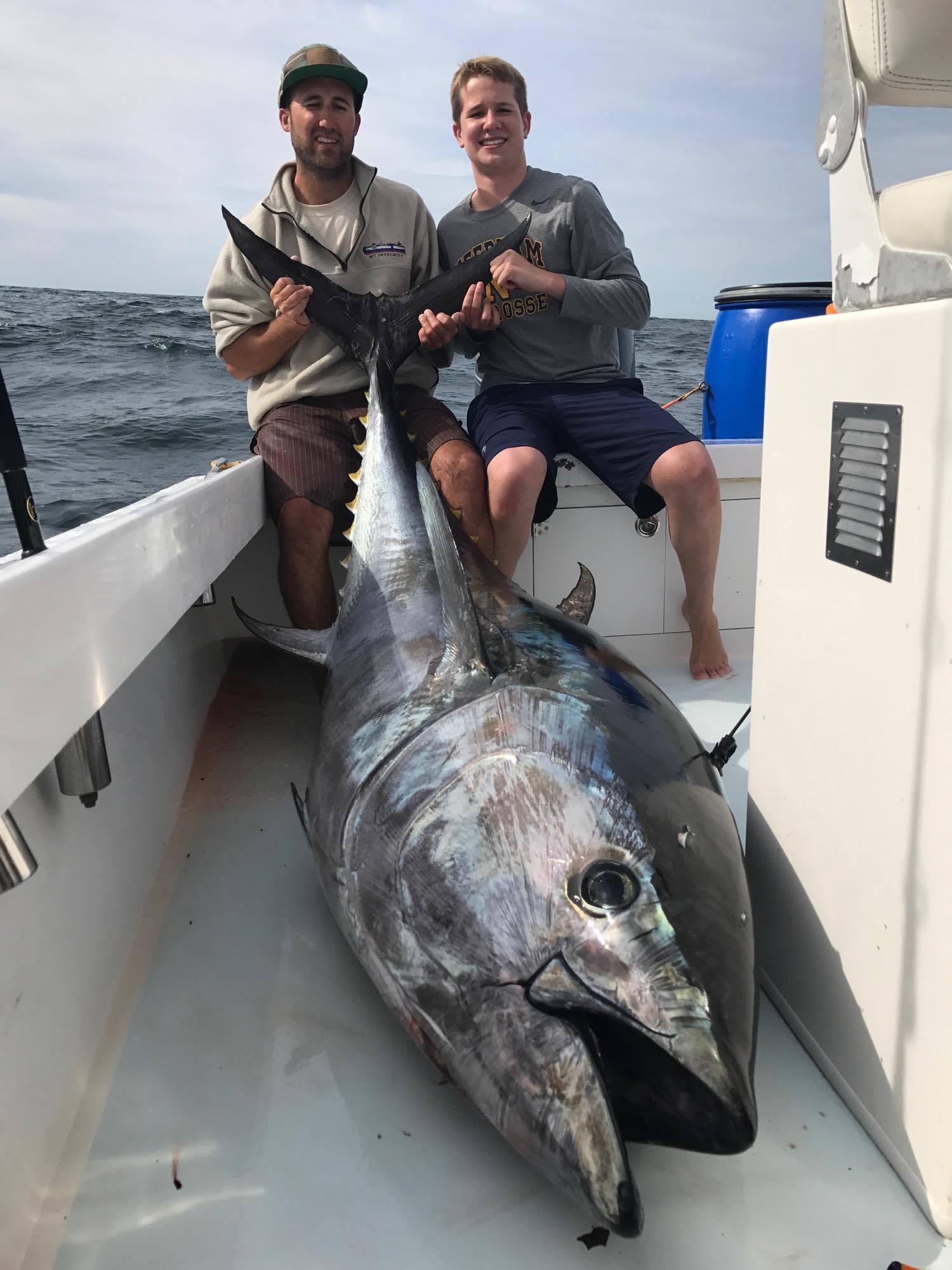adam-with-87inch-350lb-tuna-copy.jpg