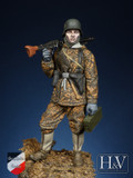 HEROES & VILLAINS - 1/24 MG-42 Gunner, 1944