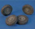 "ROYAL MODEL 558 - 1/35 ""Wheels"" Staghound"