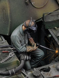 ROYAL MODEL 683 - 1/35 Man Using Electric Welder (no.1)