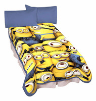 "Universal Minions Little Yellow Buddies Microraschel Blanket 62"" x 90"