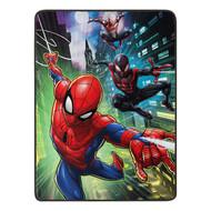 "Spider-Man ""Swing City"" Super Plush Throw"