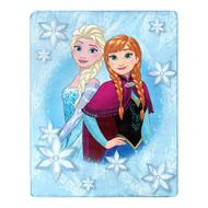 """Disney Frozen """"Northern Love"""" Silky Soft Throw"""