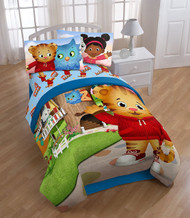 Daniel Tiger 'Treehouse Pals' Twin Reversible Comforter
