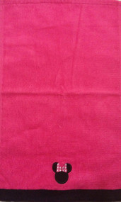 Minnie Mouse 'Fuchsia Hearts' Tip Towel