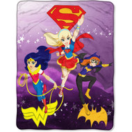 DC Super Hero Girls 'Soaring Thru the Sky' Plush Throw