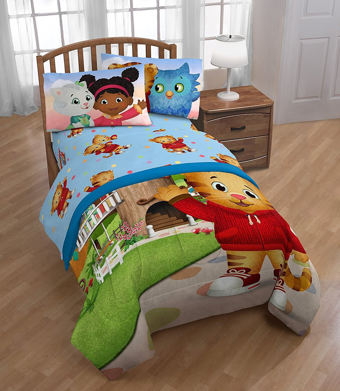 Kids Daniel Tiger Treehouse Pals Twin Sheet Set Image 1 2 3