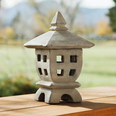 Oki-Gata Garden Lantern