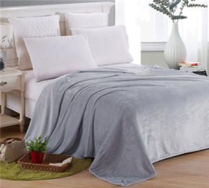 Solid color flannel blanket
